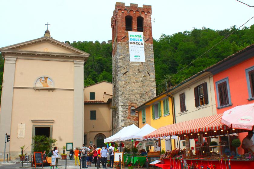 Il borgo di Ripafratta durante la Festa della Rocca